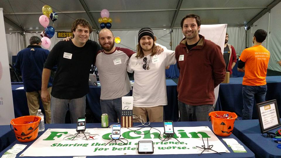 FoodChain cofounders advertising their app at a Pitt event. Photo courtesy of FoodChain.