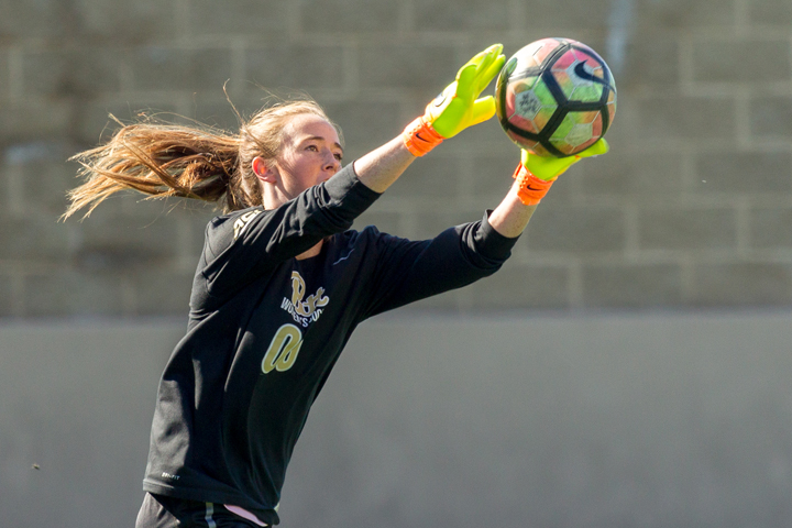 Taylor Francis (00) had eight saves versus NC State, finishing the season with 101 total. | Courtesy Pitt Athletics