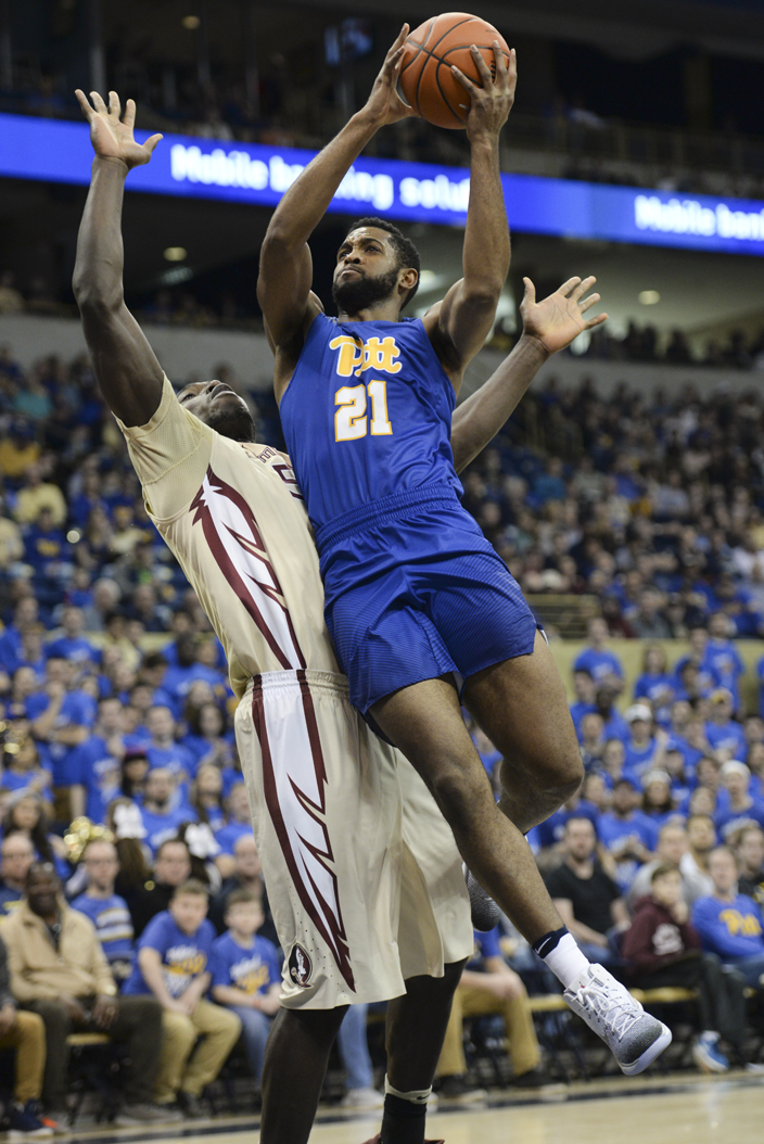 Senior forward Sheldon Jeter (21) scored a career-high 29 points and grabbed a game-high eight rebounds in Pitt's 80-66 win Saturday over No. 17 Florida State. John Hamilton | Visual Editor
