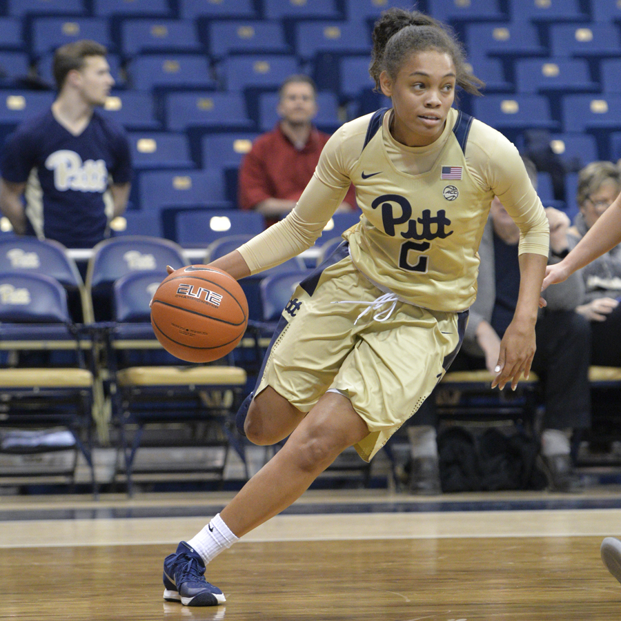 Aysia Bugg led the Panthers in scoring Sunday with 15 points. Thomas Yang | Staff Photographer
