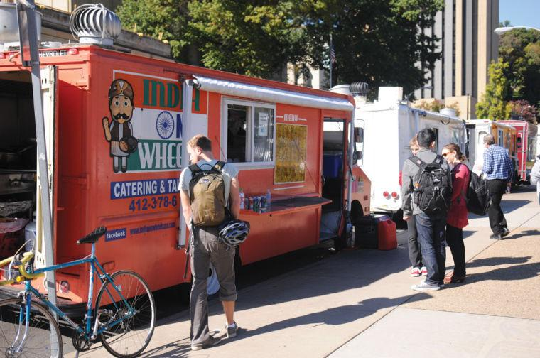 Despite challenges, Pittsburghs food trucks on a roll