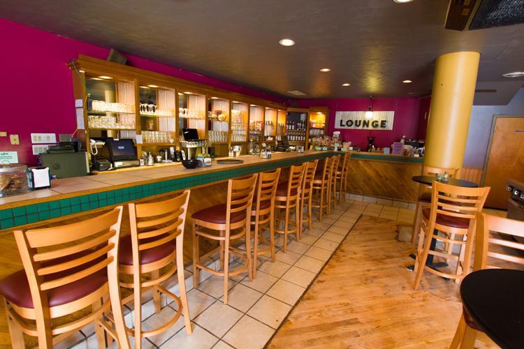 Craig+Street%27s+Ava+Lounge+brings+nightlife+back+to+Oakland