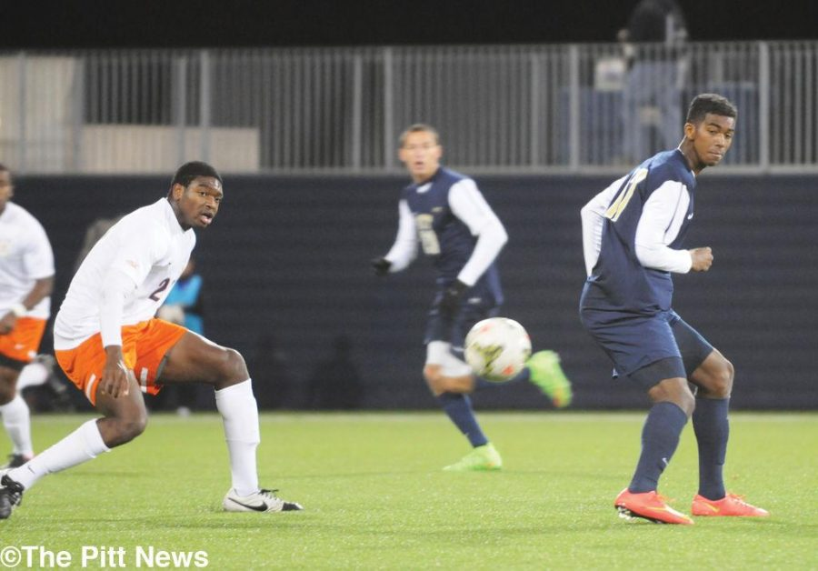 Pitt loses second straight game after conceding early road goal