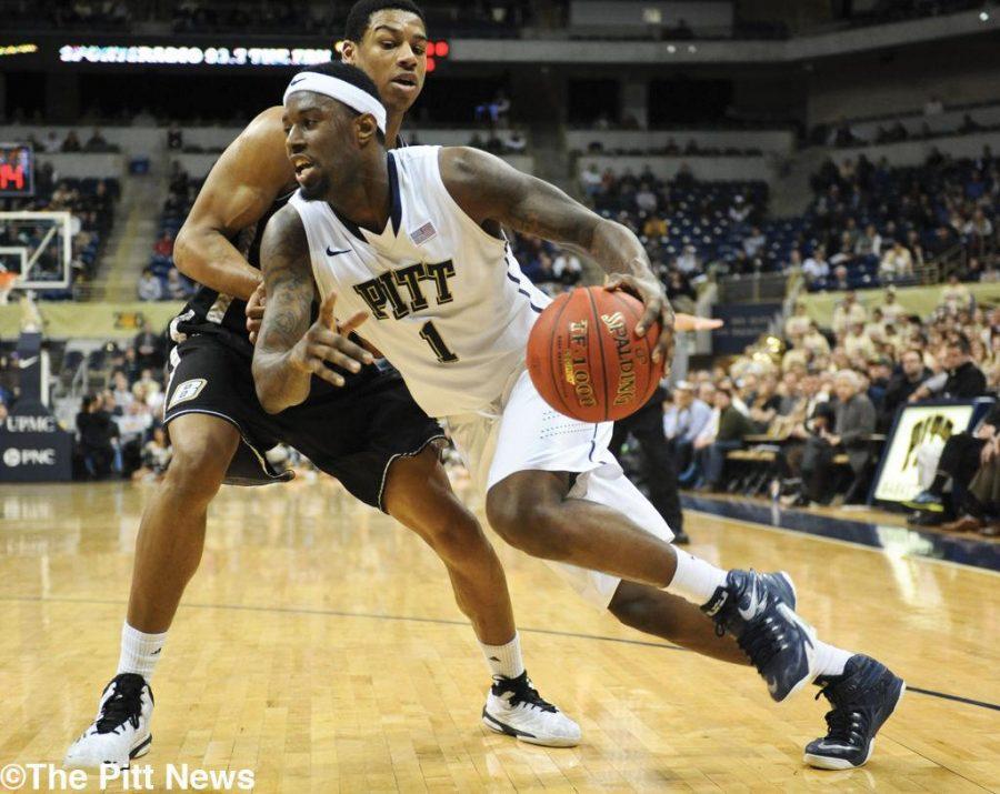 Artis' 32 points propels Pitt past Bryant