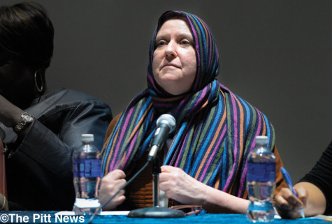 Elaine Linn dons a hijab at Hail to Diversity