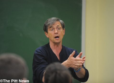 Joe Sestak speaks to students