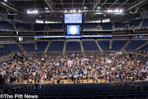 Email lists and League of Legends: Students hit Petersen Events Center for Activities Fair