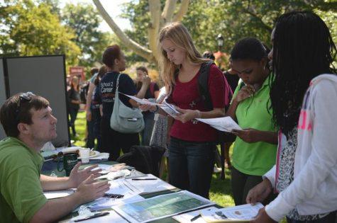 Students do good, boost resumes at volunteer fair