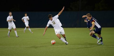 Men's soccer edges out Robert Morris thanks to goal in double-overtime
