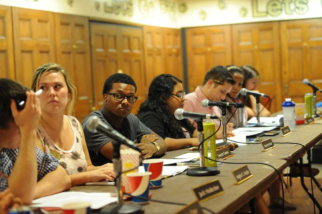 The Student Government Board discussed eliminating plastic bags on campus at Tuesday night's meeting.
