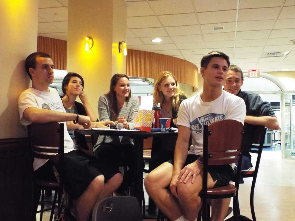 Students listen to Student Government Board meeting as they talk about the new internship opportunity. | Amy Beaudine / Staff Photographer