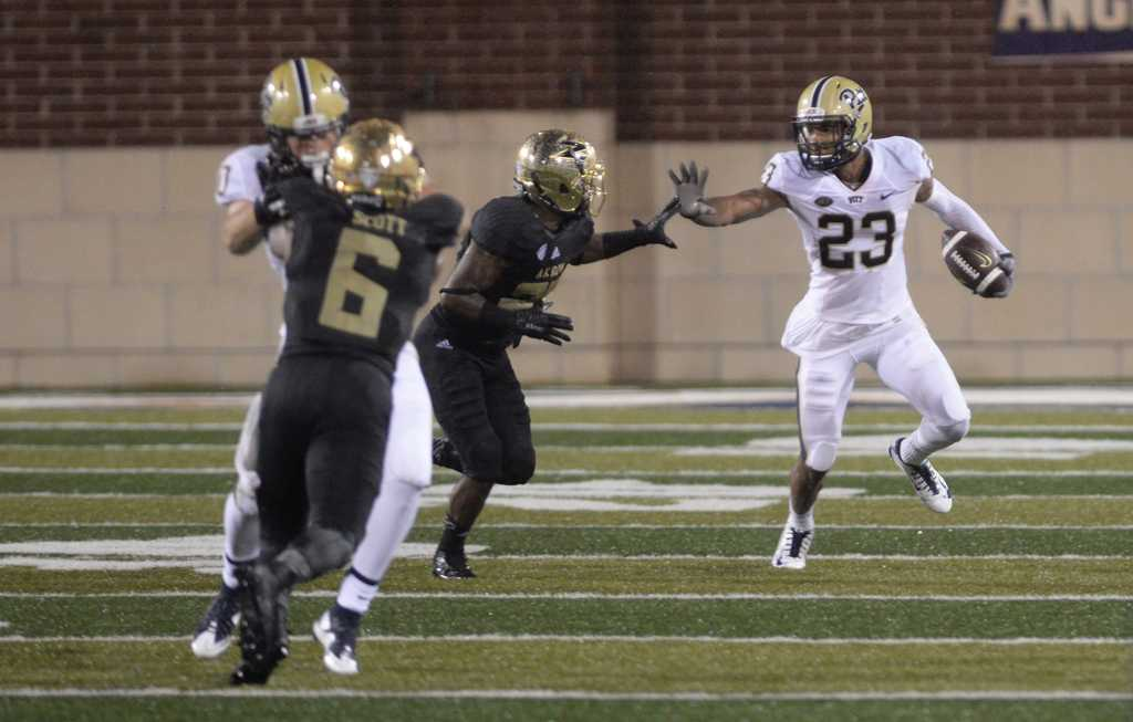 Tyler Boyd wards off an Akron defender.  Jeff Ahearn | Assistant Visual Editor