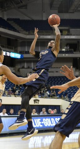 Pitt hoops showcase new faces in Blue-Gold Scrimmage