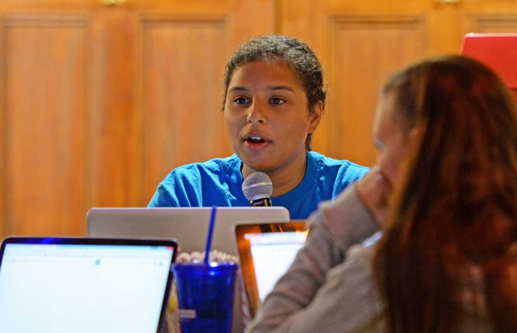 Naomi Stoll, SGB's academic affairs chair, looks to extend drop deadline for classes.   Abigail Self / Staff Photographer