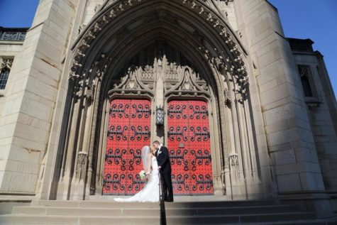 Kissing for keeps at Heinz Chapel