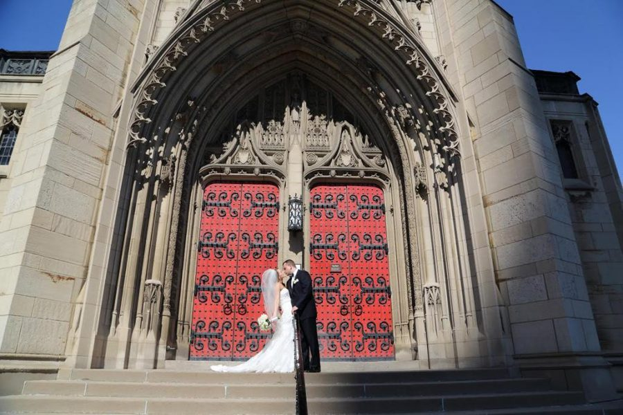 Kissing+for+keeps+at+Heinz+Chapel