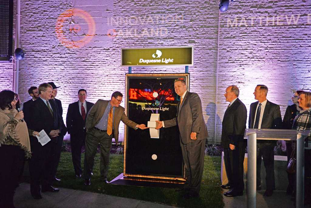 Innovation Oakland officially unveiled the new digital plaza at the corner of Forbes Avenue and South Bouquet Street on Monday night.  Wenhao Wu | Staff Photographer