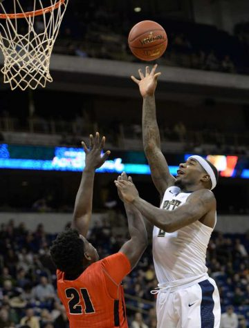 Barrage of 3-pointers leads Pitt to 85-76 win over Kent State