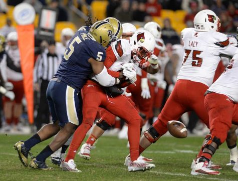 Man down: Ejuan Price's five sacks power Pitt past Louisville