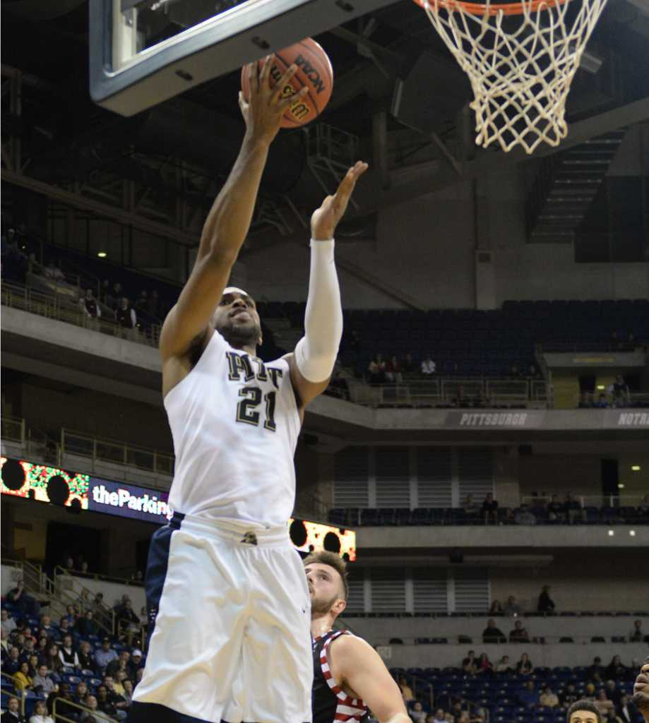 Sheldon Jeter goes for a layup.  Wenhao Wu | Staff Photographer