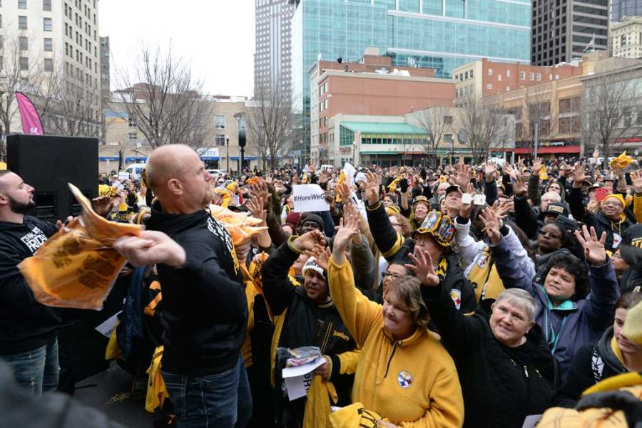 Fans+were+trying+to+get+their+hands+on+the+Steelers+merchandise+being+hurled+through+the+air.++Jeff+Ahearn+%7C+Assistant+Visual+Editor