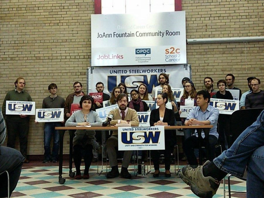 Pitt+graduate+student+employees+announced+their+plan+to+unionize+in+January+2016.+