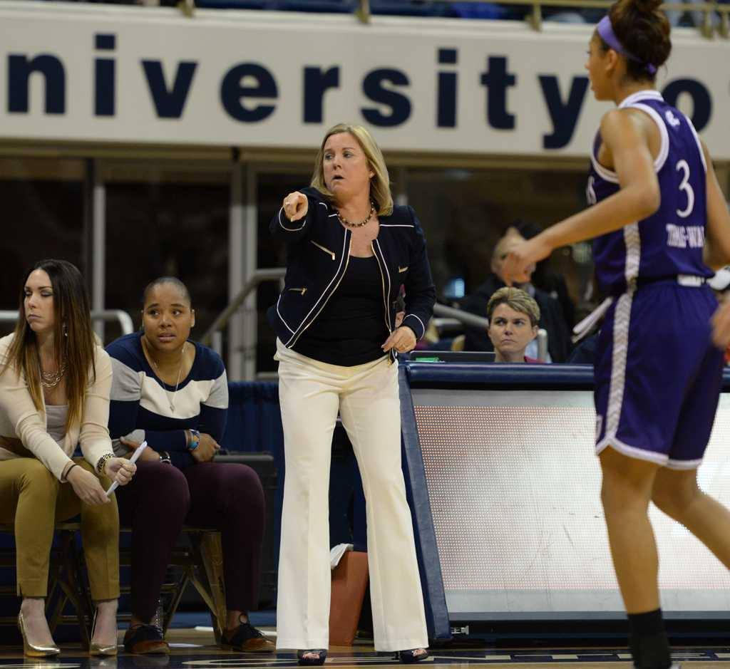 Suzie-McConnell Serio and the Pitt women's basketball team are looking to bounce back after a disappointing 13-17 season.  Wenhao Wu | Senior Staff Photographer