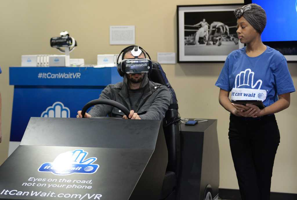 Students had the opportunity to virtually experience texting and driving.  Emily Klenk | Staff Photographer