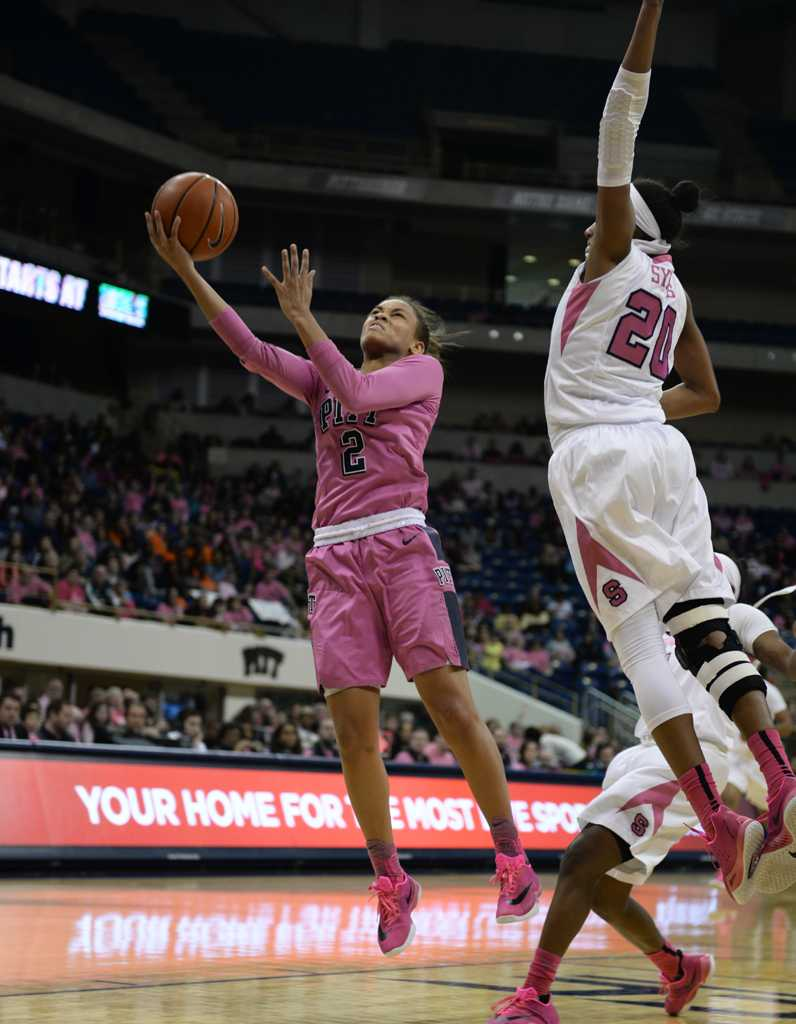 Aysia Bugg attempts a layup against Syracuse in the Pink The Pete matchup.  Emily Klenk | Staff Photographer