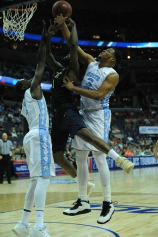 Tar Heels utilize second half spurts to pummel Pitt