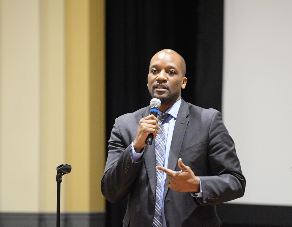 Kenyon Bonner speaks to students at a 'safe space' event on Thursday. Will Miller | Staff Photographer