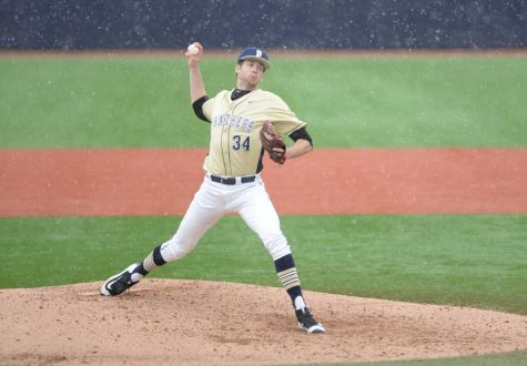 Zeuch returns to the mound for third game win