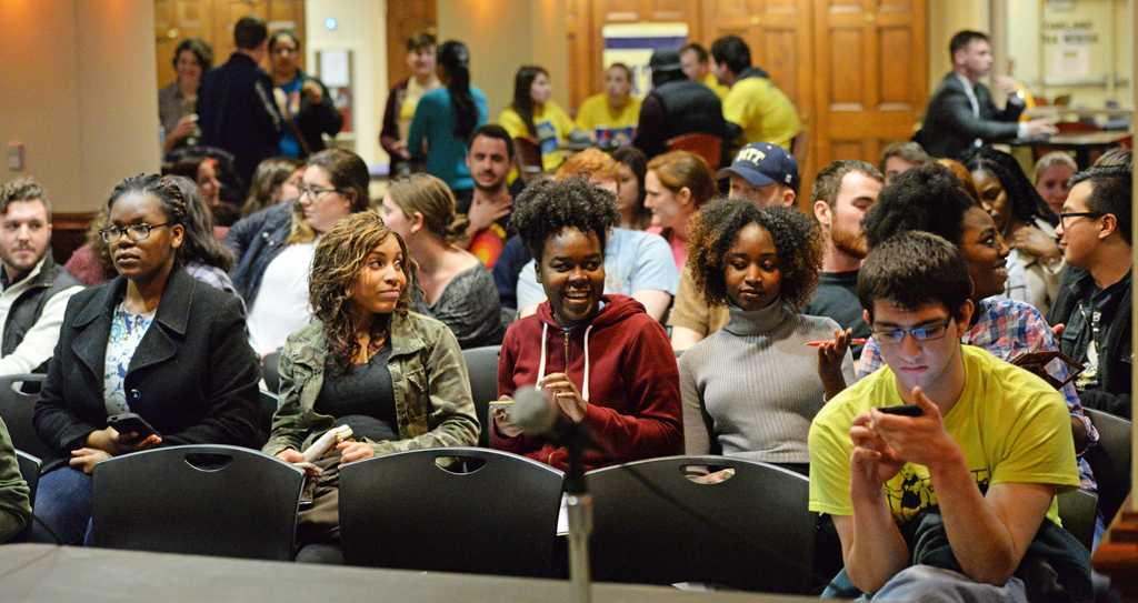 Students gather for the SGB meeting. Will Miller | Staff Photographer