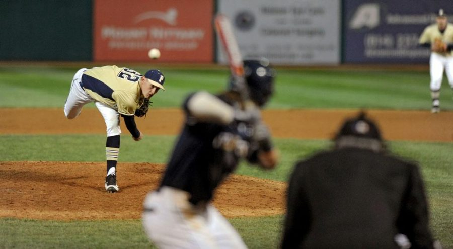 Pitcher+Collin+Liberatore+%2832%29+picked+up+his+third+win+of+the+season+against+Youngstown+State+on+Tuesday+night.+Photo+Courtesy+of+Linsey+Fagan