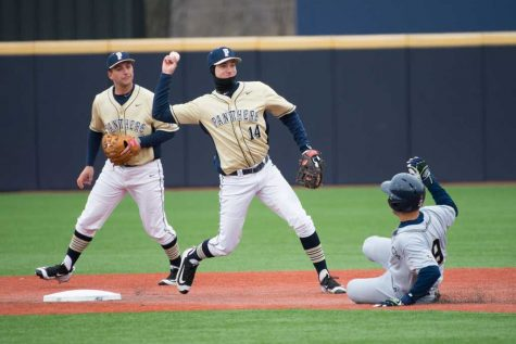 Pitt thwarts Youngstown State in mid-week showdown