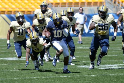 Blue team defeated Gold 19-17 in Pitt spring game