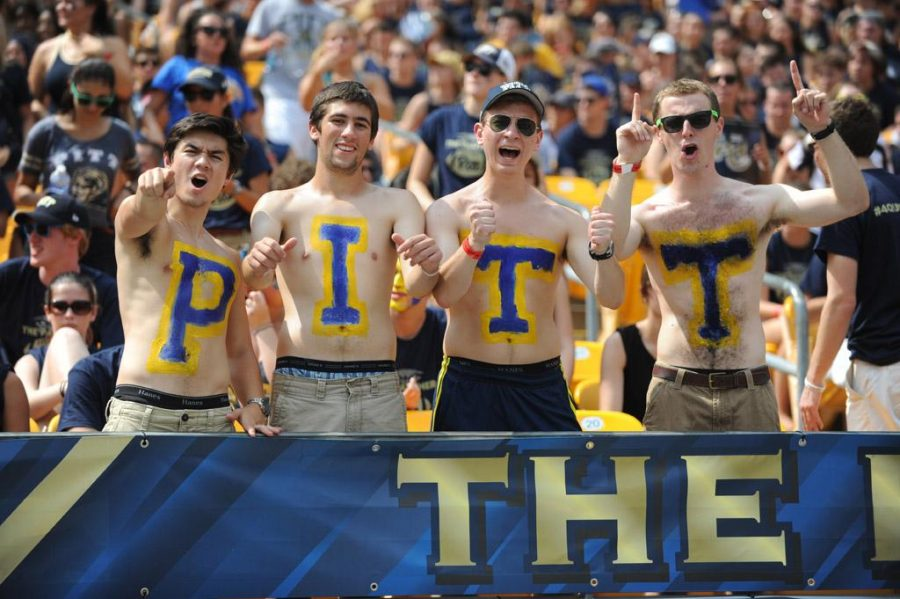Pitt+eclipsed+its+all-time+record+for+football+season+ticket+sales+Saturday.+Meghan+Sunners+%7C+Senior+Staff+Photographers+