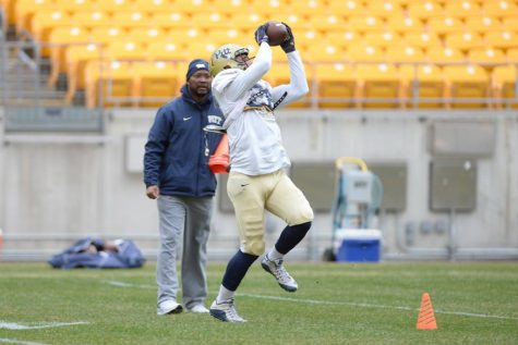 Elijah Zeise practices during Spring drills at Heinz Field. Jeff Ahearn | Assistant Visual Editor