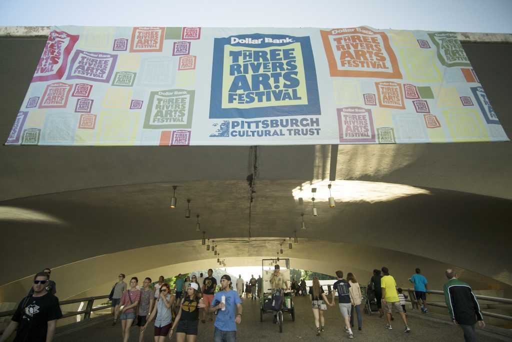 Sunday concluded the Three Rivers Arts Festival in downtown Pittsburgh. Anh Vu | Staff Photographer