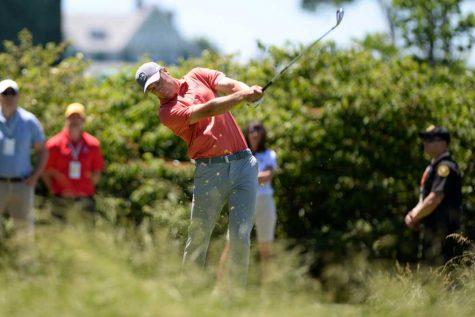 2015 US Open champ Jordan Spieth tees off on the 2nd hole. Jeff Ahearn | Senior Staff Photographer