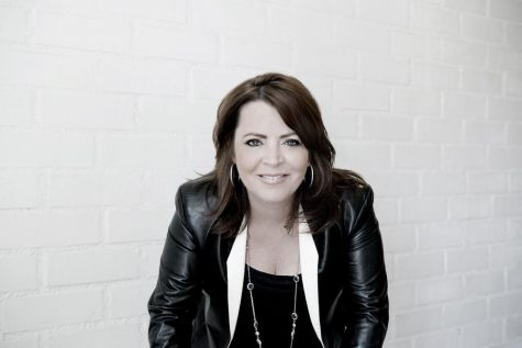 Comedy imitates life: Kathleen Madigan to perform at Carnegie Music Hall
