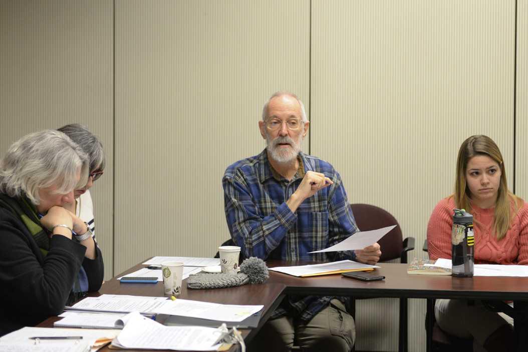 Hanson Kappelman speaks at an Oakwatch meeting in January 2016. Will Miller | Senior Staff Photographer.