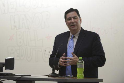 Peduto focuses on innovation, involvement at Pitt College Dems event