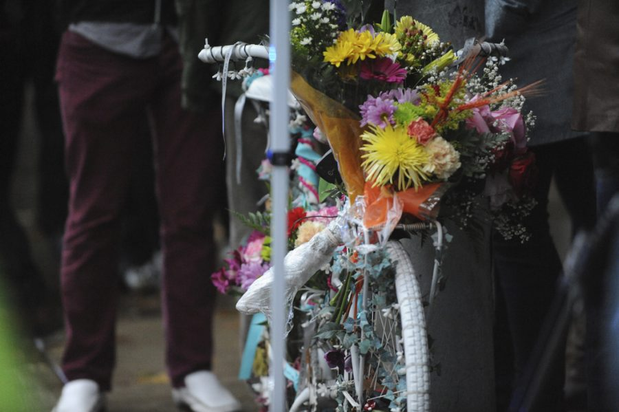 Bikers+and+pedestrians+decorated+Susan+Hicks%E2%80%99s+ghost+bike+at+the+intersection+of+Bellefield+and+Forbes+avenues+commemorating+the+professor%2C+who+was+killed+there+two+years+ago.+Kyleen+Considine+%7C+Staff+Photographer