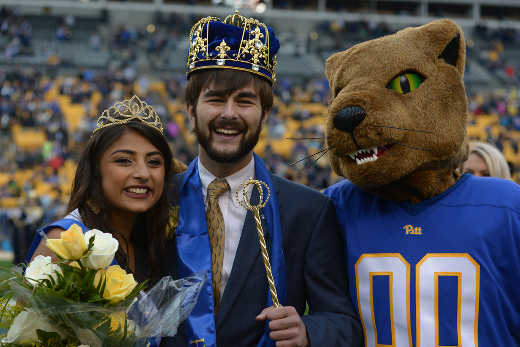Seniors Ryan Scandaglia and Aarti Kumar were crowned homecoming king and queen for 2016 at Saturday's game against Georgia Tech. Wenhao Wu | Senior Staff Photographer