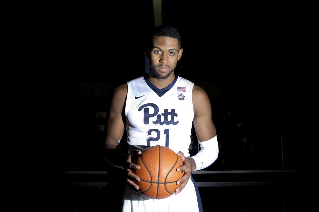 Senior forward Sheldon Jeter (21) is expected to join Pitt's starting lineup in 2016-17. John Hamilton | Senior Staff Photographer