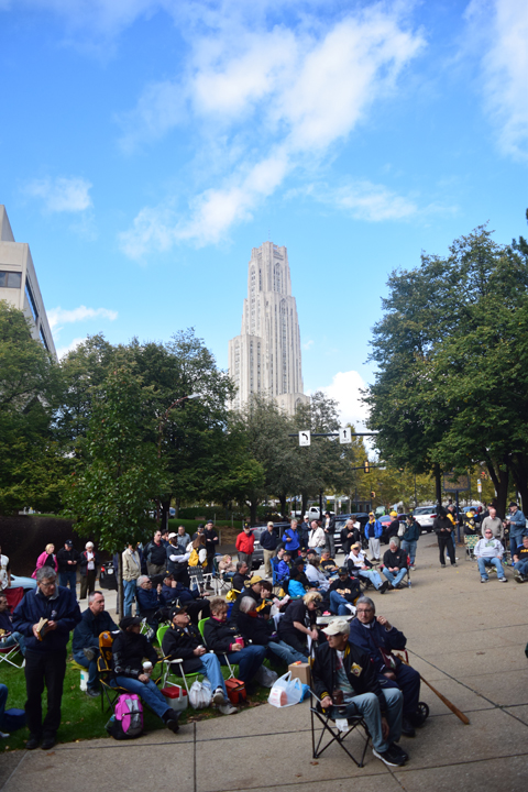 Fans+gathered+outside+the+Forbes+Field+Wall+across+from+Schenley+Plaza+to+celebrate+Mazeroski+Day.+Edward+Major+II+%7C+Staff+Photographer%0A