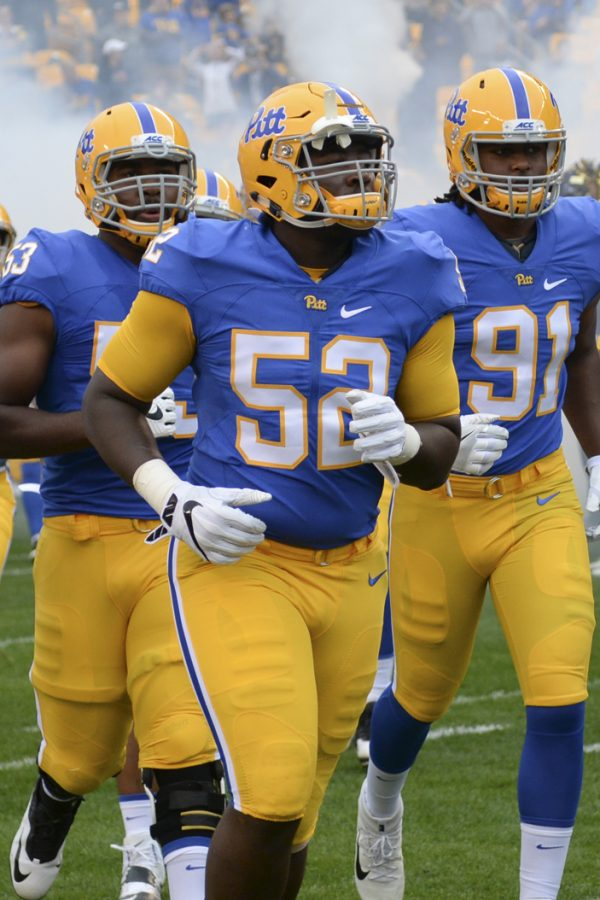 Defensive+tackle+Shakir+Soto+%2852%29+led+Pitt+with+eight++total+tackles+in+the+Panthers%27+Homecoming+win+against+Georgia+Tech.+Jeff+Ahearn+%7C+Senior+Staff+Photographer