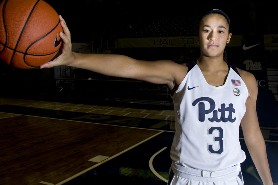 First-year+point+guard+Jasmine+Whitney+is+one+of+three+newcomers+on+the+Pitt+women%27s+basketball+team+in+2016-17.+John+Hamilton+%7C+Senior+Staff+Photographer