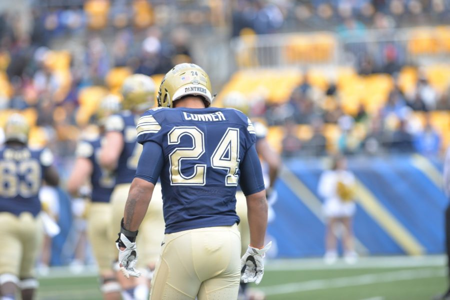 Pitt redshirt junior RB James Conner takes the field for what may have been his last game at Heinz Field with the Panthers. Steve Rotstein | Contributing Editor
